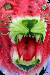 water-melon-cutting-style-lion