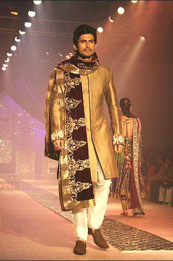 Latest Groom stylish sherwani design 2013