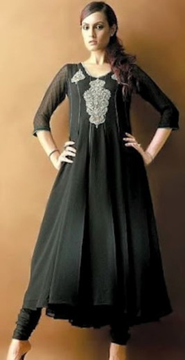 latest-pakistani-lawn-frock-designs-for-girls-2013-2014
